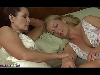 Babe Big Tits Blonde Chick Fingering Fuck Juicy Lesbian