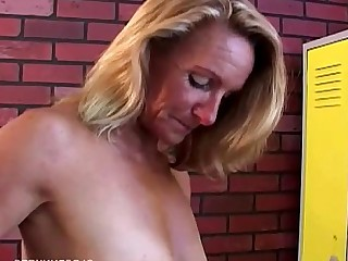 Blonde Cougar Housewife Juicy Mammy Mature MILF Playing