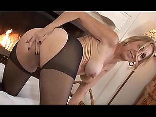Amateur Dildo Juicy MILF Nipples Solo